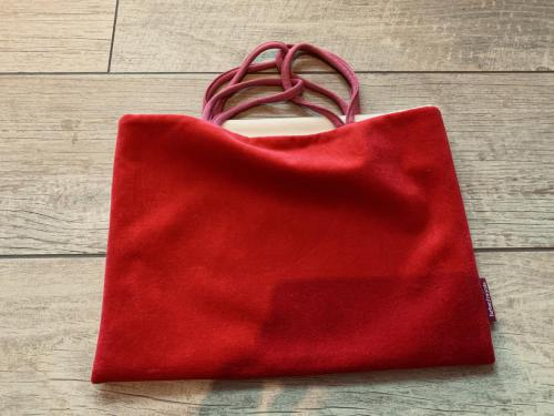 013. Tasche aus Nicki in preiselbeere, innen weiß, 32x23 cm, waschbar bei 30 Grad - schick für Groß und Klein!